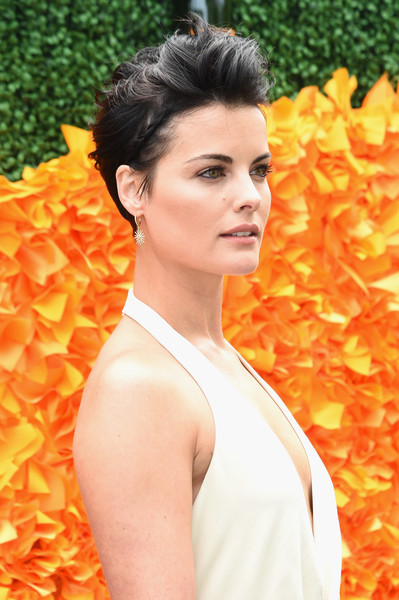 Jaimie-Alexander-Mussed-up-Short-Hair Trendy Celebrity Short Hairstyles You'll Want to Copy