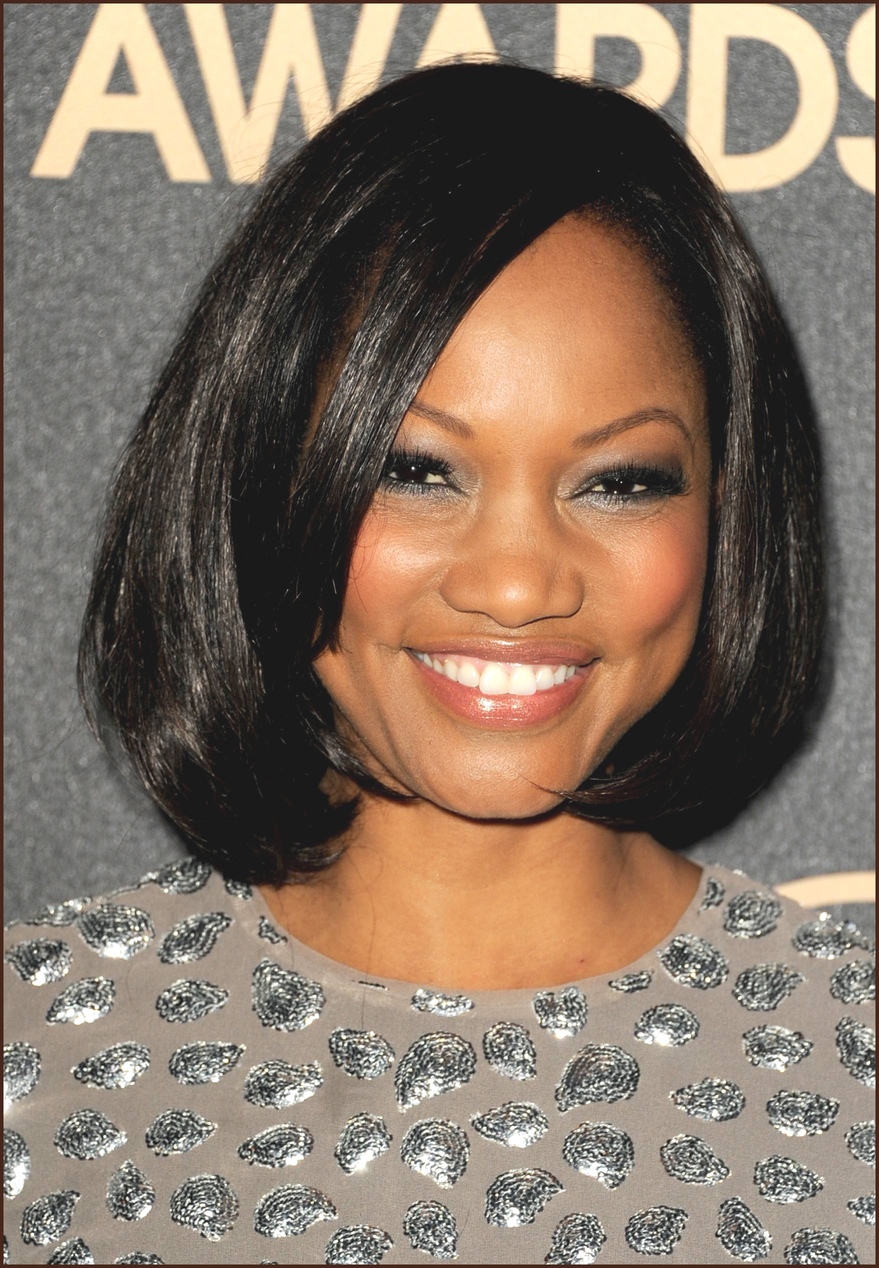 Leave-it-Straight Cute African American Hairstyles for Gorgeous Look