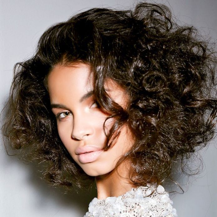 Messy-Natural-Curly-Hairstyle Most Beautiful Natural Hairstyles for Wedding