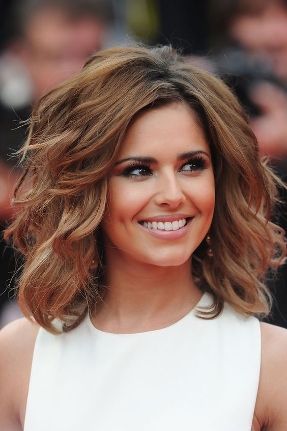 Mid-length-Waves Elegant Hairstyles for Women