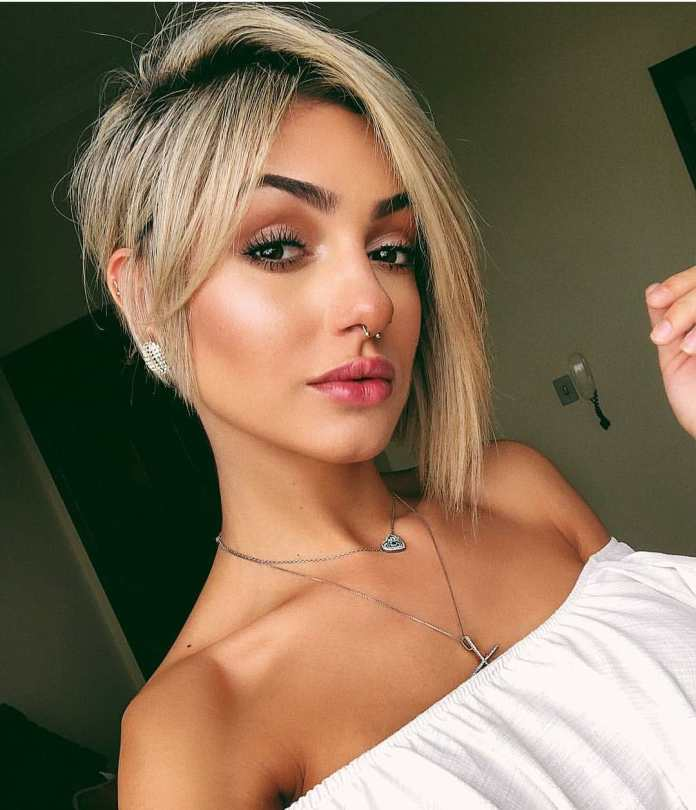 Short-Blonde-Haircut Style Personified Short Hairstyles for Young Women