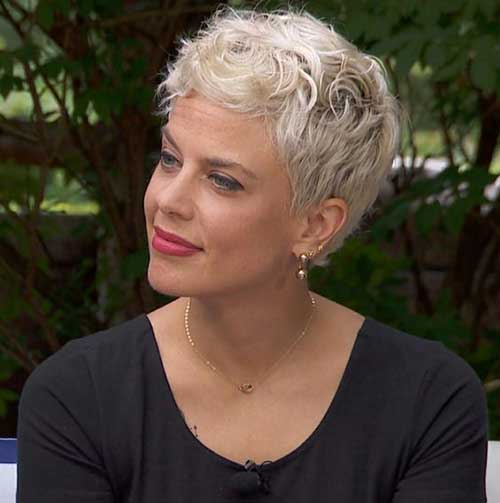 Short-Hairstyles-for-Women-Over-50-8 Ideas of Short Hairstyles for Women Over 50