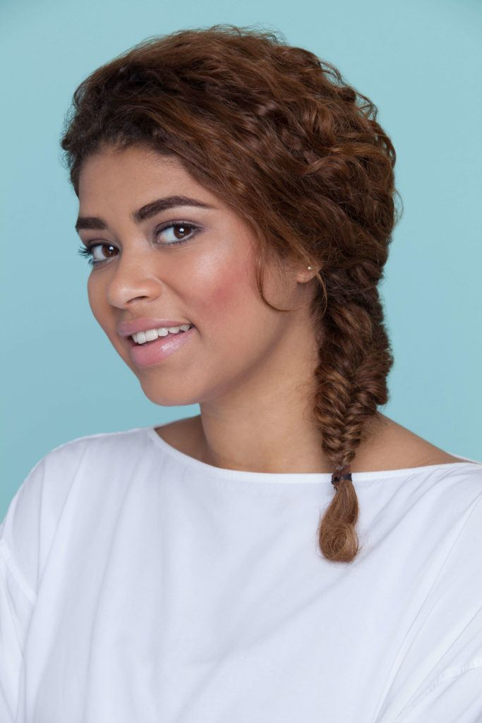 Side-Fish-Plait Modern Hairstyles for Women to Look Trendy