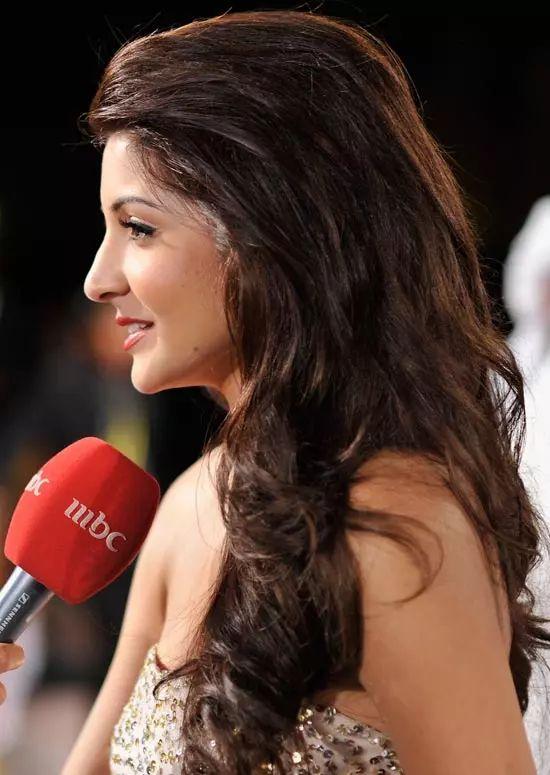 Anushka-Sharma Top Indian Actresses With Stunning Long Hair