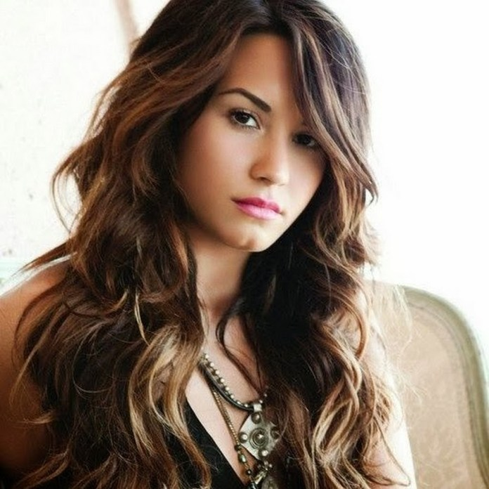 Creative-hairstyle-with-hair-mass-for-your-desired-looks-in-fall Most Attractive Fall Hairstyles to Try This Year