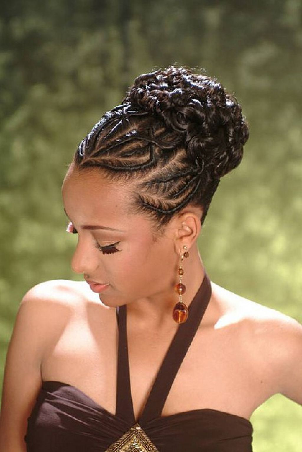 Diva-Bun-for-The-Night Stylish and Stunning African American Braids