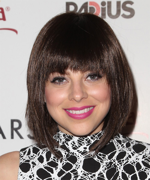 Krysta-Rodriguez-Medium-Straight-Bob-Hairstyle Hottest And Trendy Bob Haircuts For Stylish Look