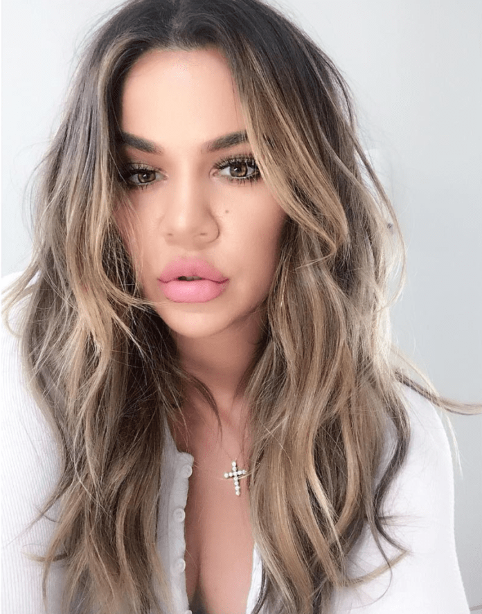 Long-trendy-hairstyle Most Attractive Fall Hairstyles to Try This Year