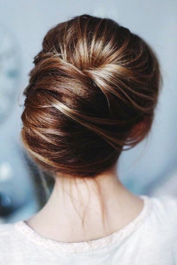 Low-Twisted-Chignon-Hairstyle Most Gorgeous Looking Chignon Hairstyles