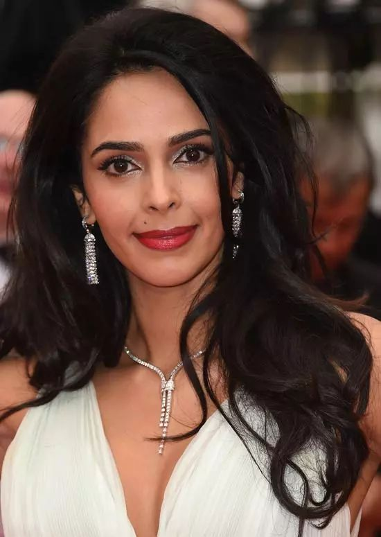 Mallika-Sherawat Top Indian Actresses With Stunning Long Hair