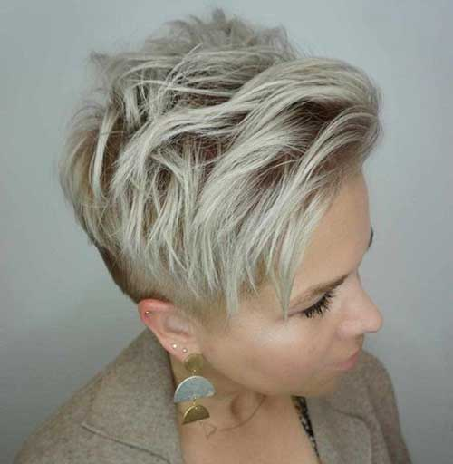 Messy-Short-Layered-Pixie-Hairstyle Best Layered Pixie Hairstyles