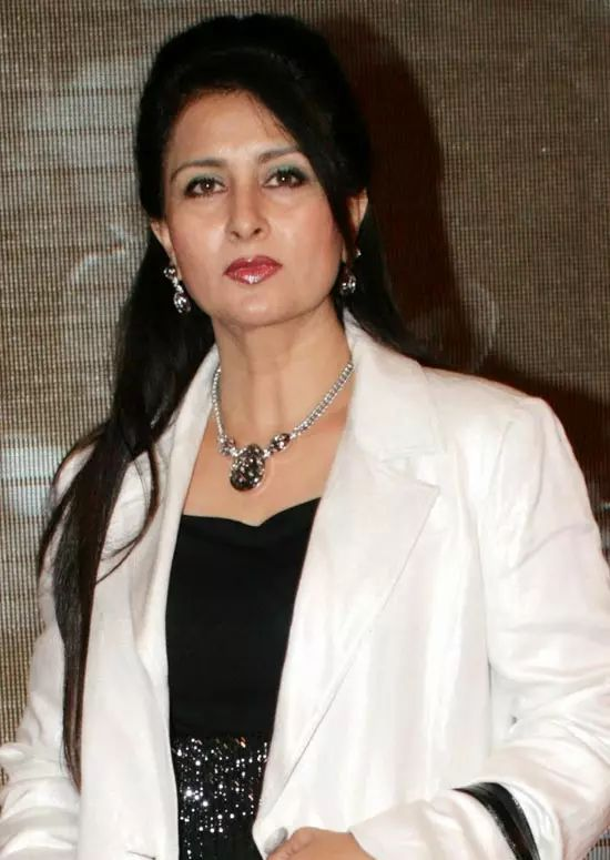 Poonam-Dhillon Top Indian Actresses With Stunning Long Hair