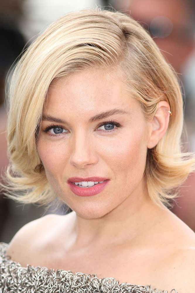 Short-Blonde-Bob Celebrity Short Hairstyles for Glamorous Look