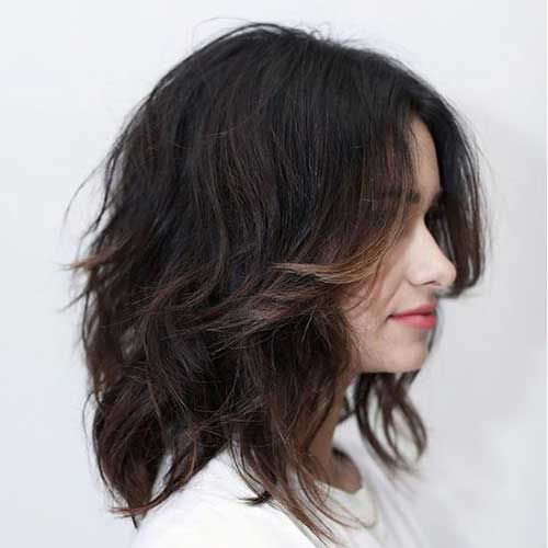 Short-To-Medium-Wavy-Bob-Hairstyle Best Short Wavy Bob Haircuts