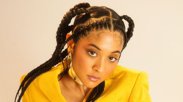 Two-Sides-Pony-Knotless-Box-Braid Cool and Trendy Knotless Box Braids Styles