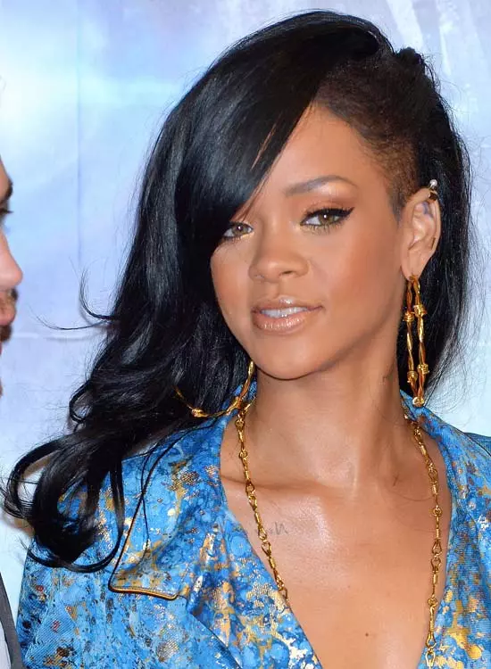 Wavy-Flare-Side-Shave Best Rihanna Hairstyles