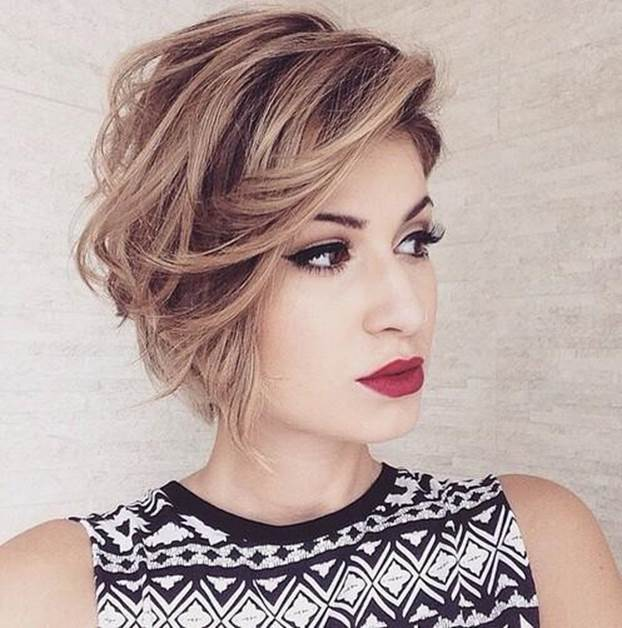 Bob-with-Side-Swept-Bangs Exotic Messy Bob Hairstyles That Women Love