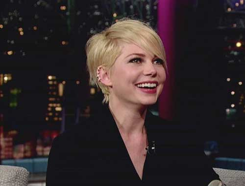 Cute-Straight-Pixie-Style Super Michelle Williams Pixie Haircuts