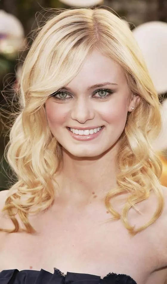 Golden-Medium-Curls Veil Bridal Hairstyles For Your Wedding Day