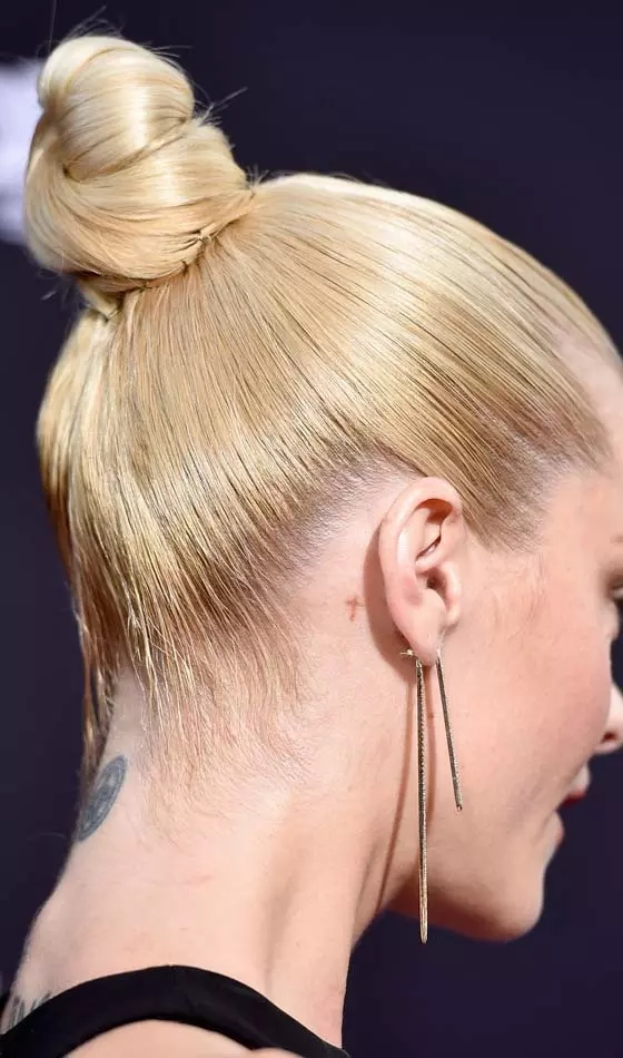 Golden-Poof Veil Bridal Hairstyles For Your Wedding Day