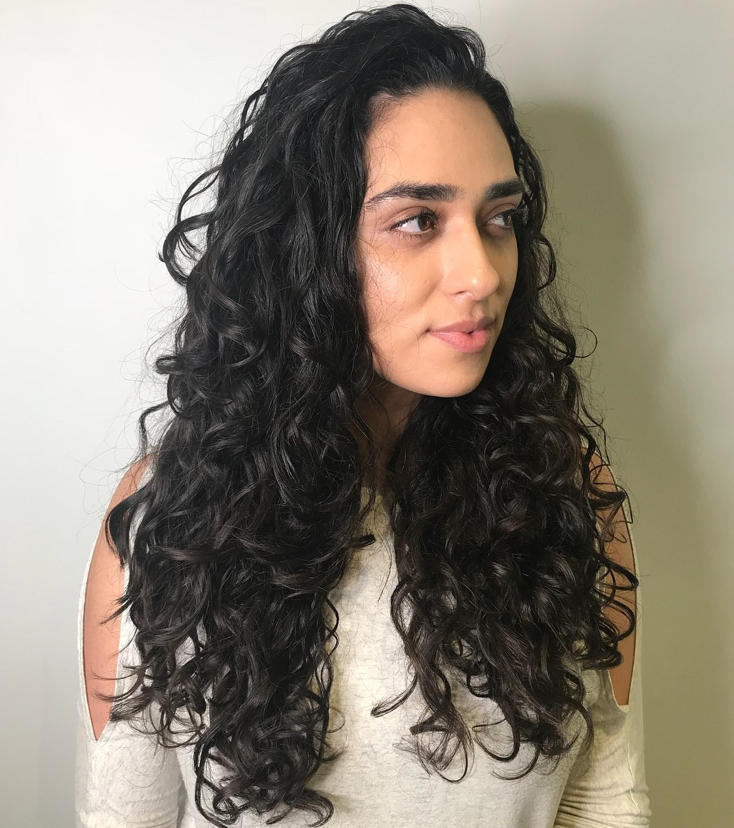 Long-Hair-with-Natural-Curls Cute Curly Hairstyles for Women