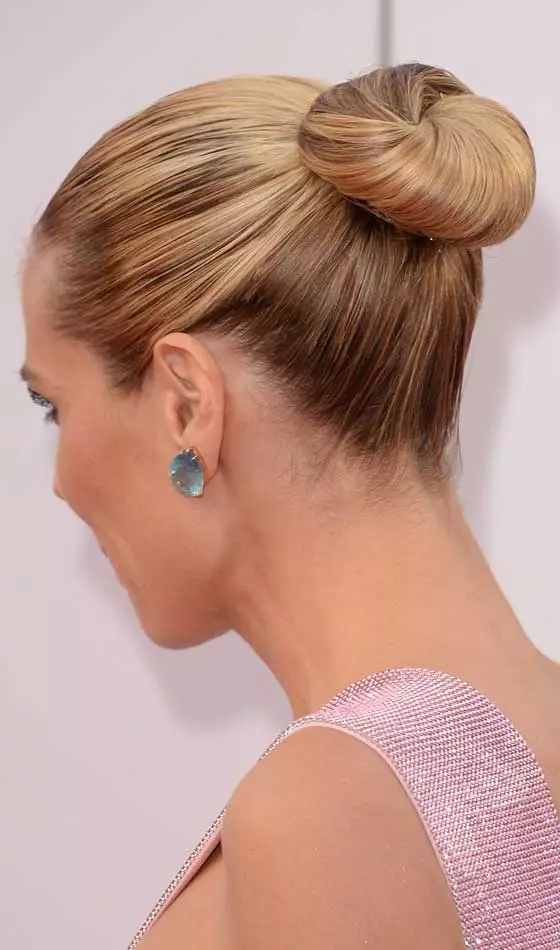 Neat-and-Sleek Veil Bridal Hairstyles For Your Wedding Day
