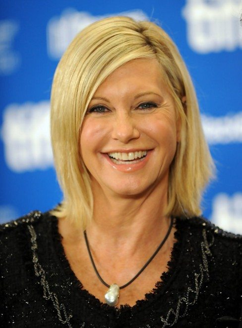 Side-Parted-Blonde-Straight-Bob Bob Hairstyles for Women Over 50 – Be Hot And Happening