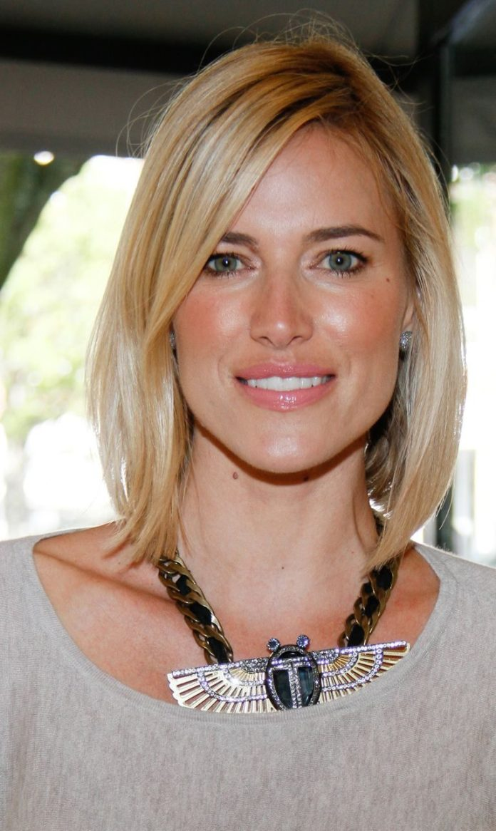 Side-Swept-Long-Straight-Bob Bob Hairstyles for Women Over 50 – Be Hot And Happening