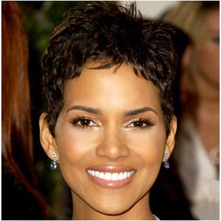 Very-Charming-and-Attractive-Pixie-Cut-by-Halle-Berry Short Hairstyles for Black Women 2020