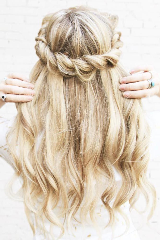 Wavy-and-Twisted-Hair Cute Homecoming Hairstyles for Astonishing Look