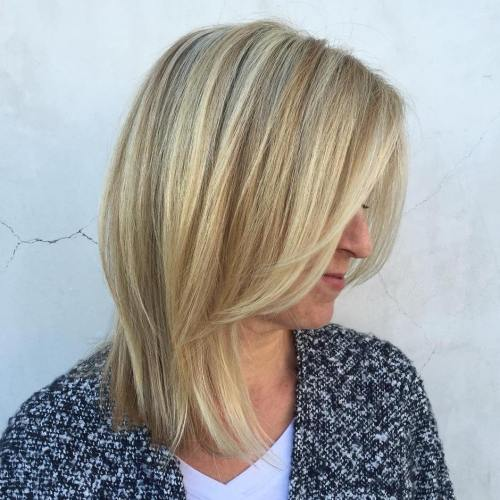 12-blonde-lob-and-face-framing-bangs 12 Stylish shoulder-length hairstyles for women Over 50