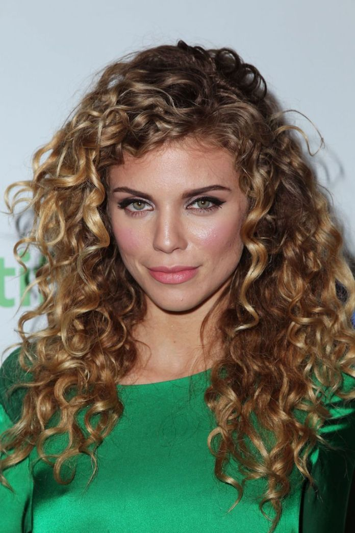 AnnaLynne-McCords-Natural-Mane Stunning Curly Hairstyles That Are All About That Texture