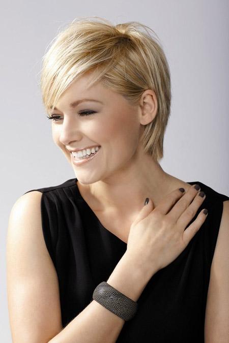 Cute-Short-Blonde-Hair Styles for Short Straight Hair