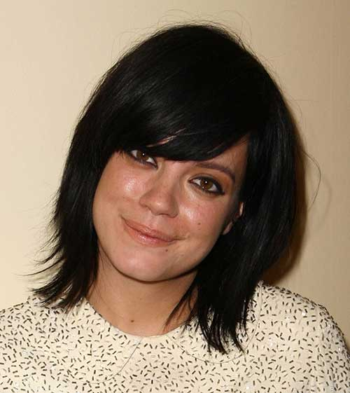 Dark-Straight-Bob-with-Side-Swept-Bangs Short Bob Hairstyles With Side Swept Bangs