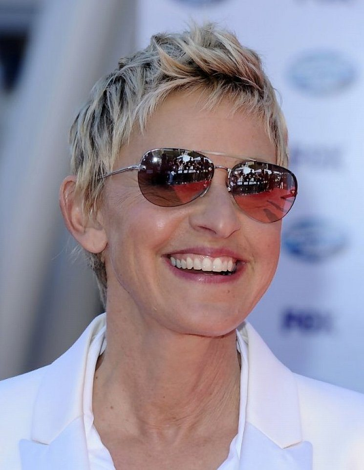 Edgy-Pixie Hairstyles for Women Over 60 To Look Stylish