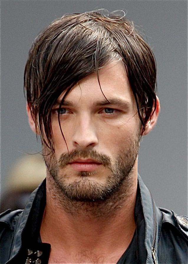 Flowy-Layered-Hair Mens Hairstyles with Thin Hair for Ultra Stylish Look