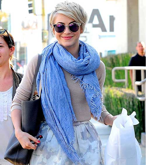 Julianne-Hough's-Short-Haircut-with-Glasses Short Trendy Hairstyles 2020