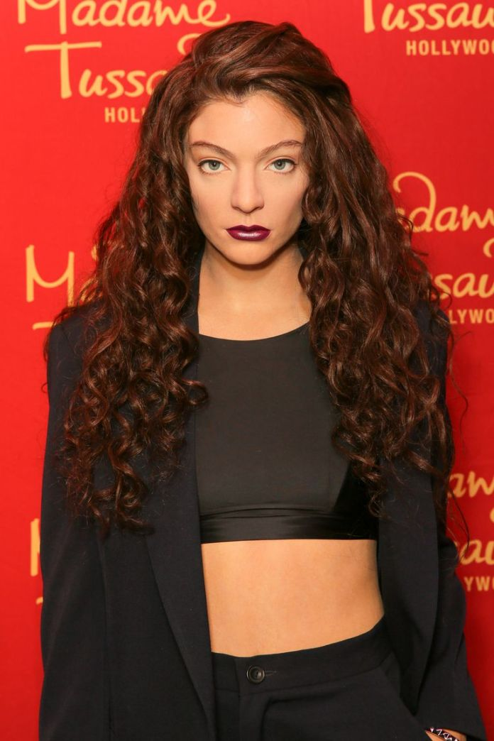 Lordes-Long-Ringlets Stunning Curly Hairstyles That Are All About That Texture