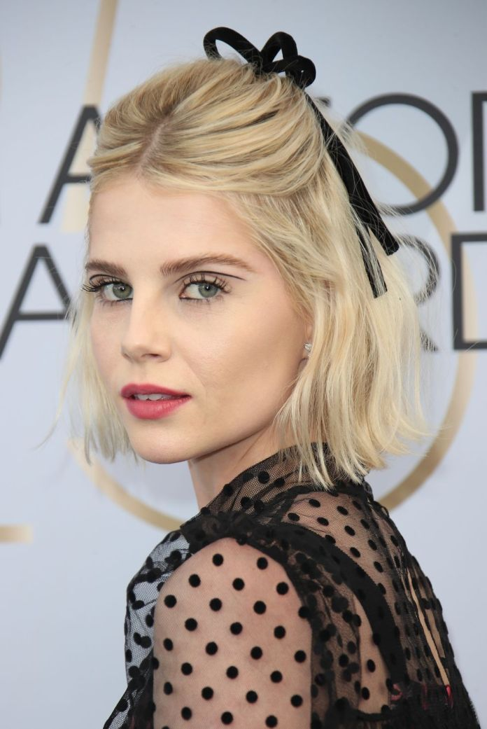 Lucy-Boynton Short Blonde Hairstyles That'll Inspire You to Call Your Colorist