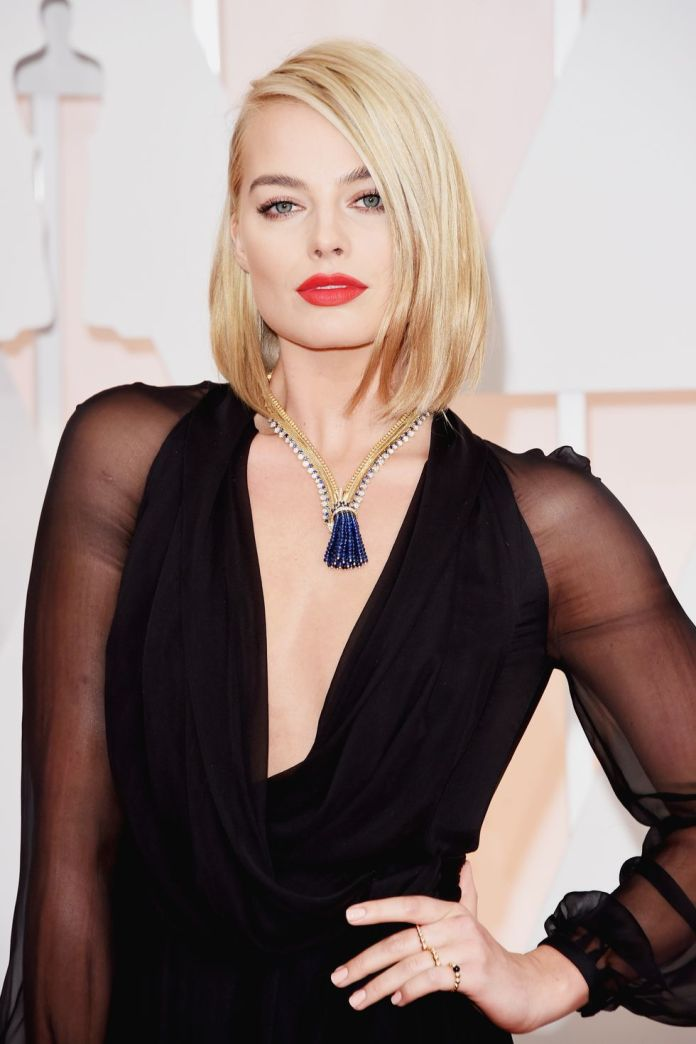 Margot-Robbie Short Blonde Hairstyles That'll Inspire You to Call Your Colorist
