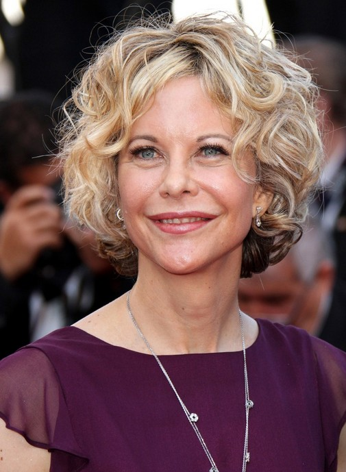 Messy-Curly-Blonde-Short-Hair Easy Hairstyles for Women Over 50