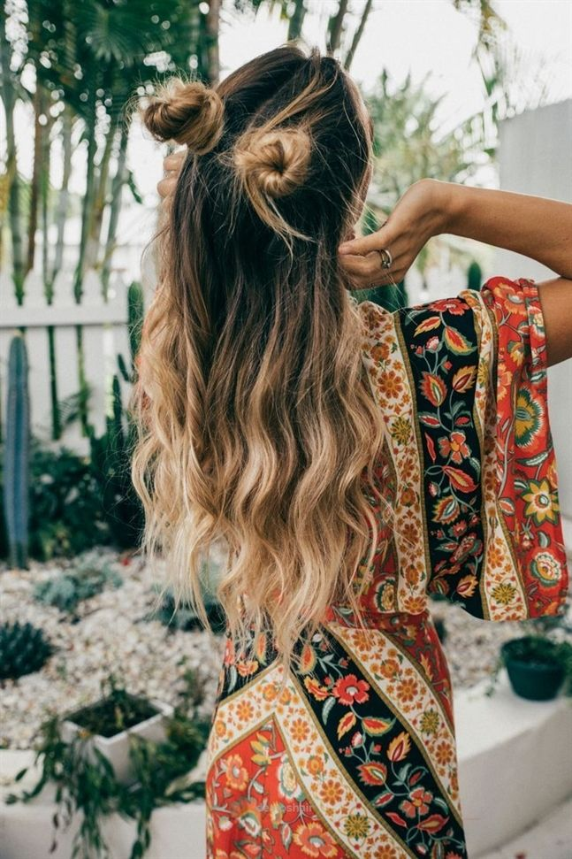 Minnie-Knots Hippie Hairstyles for a Stylish and Reviving Look