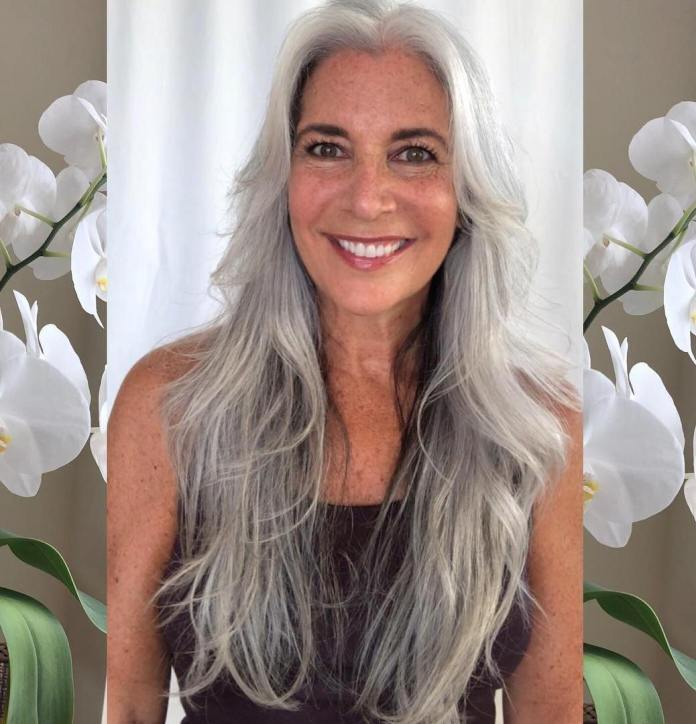 Prolonged-Hair Glamorous Grey Hairstyles for Older Women