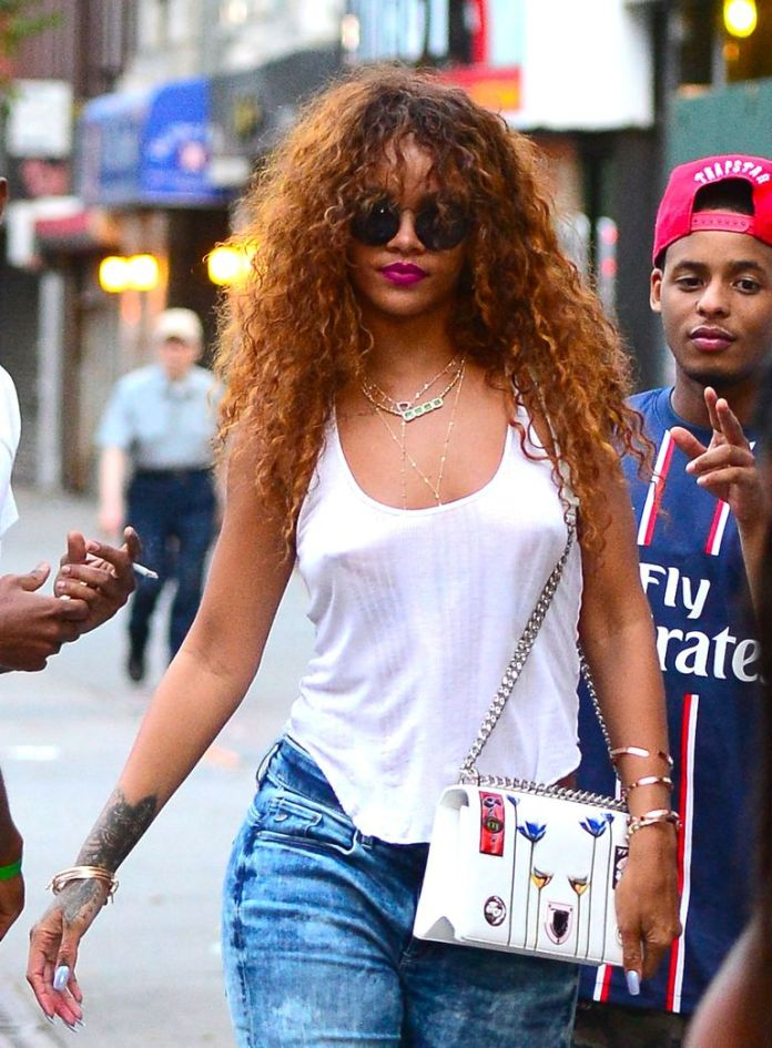 Rihannas-Visible-Roots Stunning Curly Hairstyles That Are All About That Texture