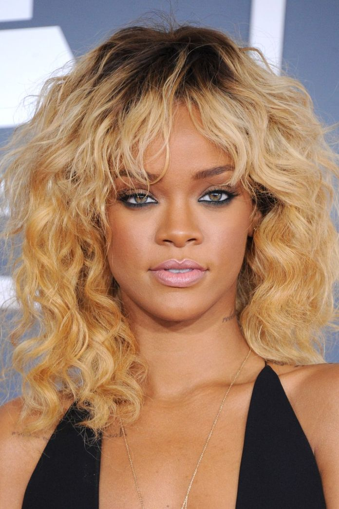 Rihannas-honey-blonde-curly-lob Short Blonde Hairstyles That'll Inspire You to Call Your Colorist