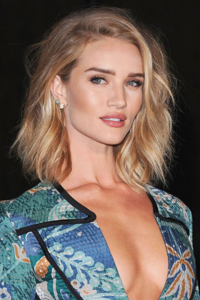 Rosie-Huntington-Whiteley Short Blonde Hairstyles That'll Inspire You to Call Your Colorist