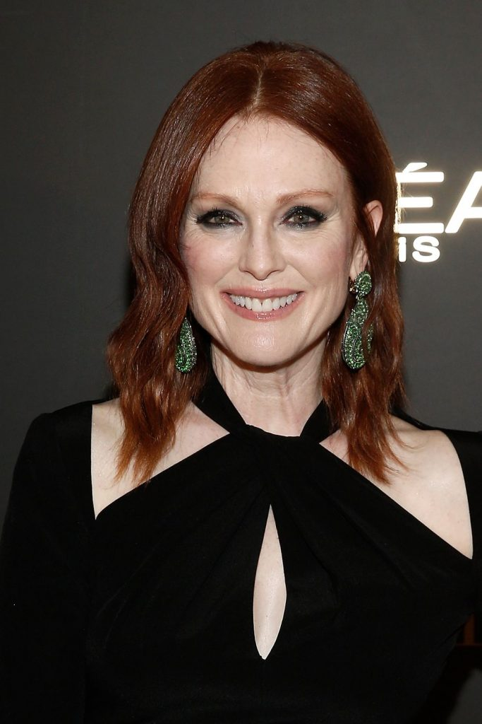 Short-to-Medium-Red-Hair Redhead Hairstyles for Sultry and Sassy Look