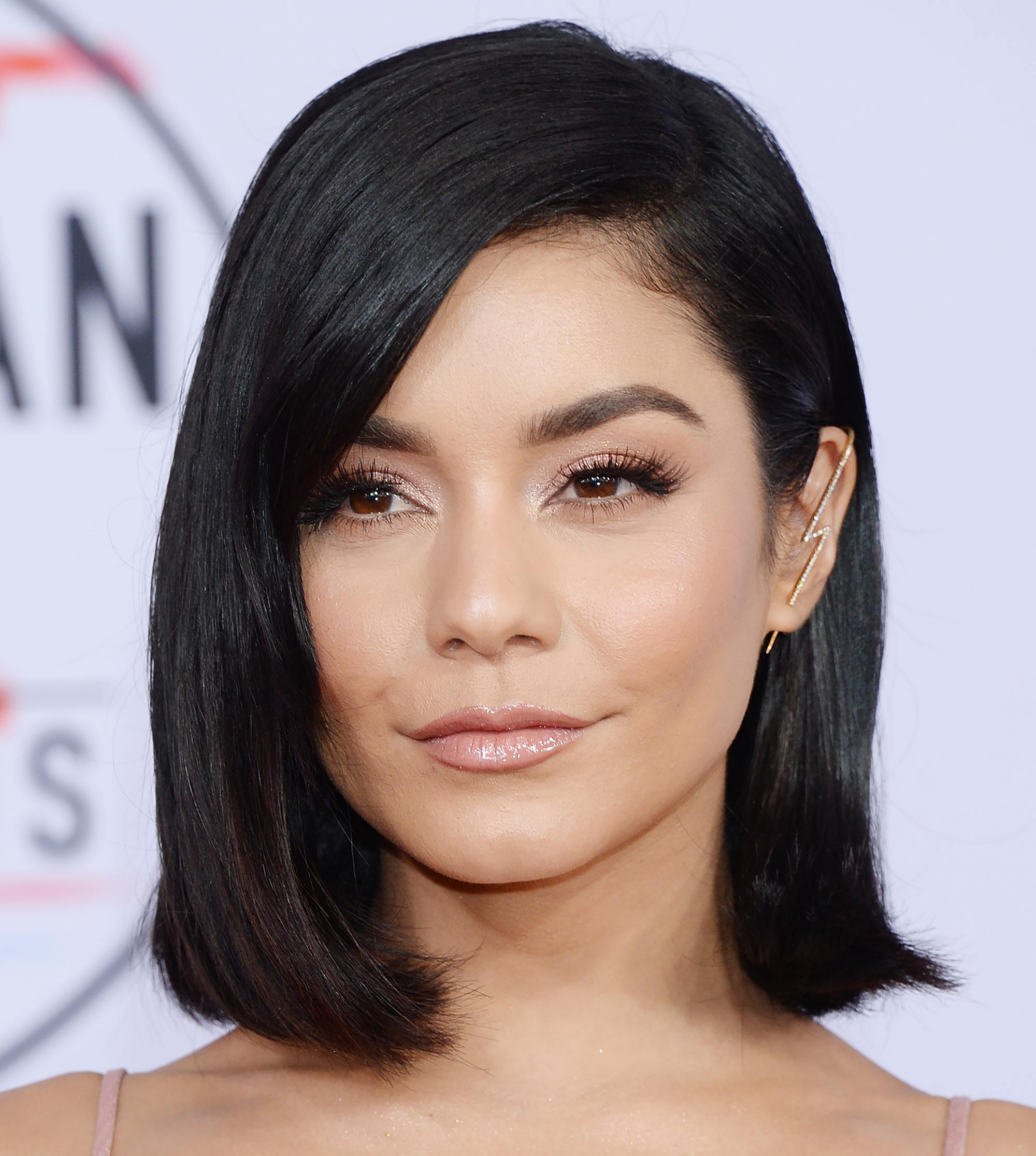 Straight-Blunt-Haircut Bob Hairstyles for Black Women for Rocking Look