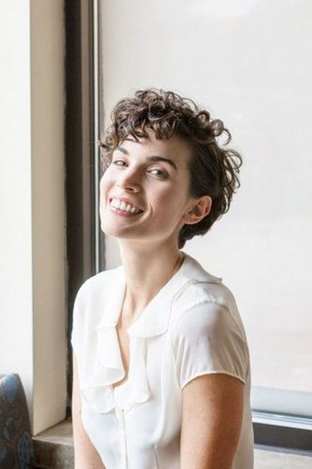 Super-Short-Beautifully-Curly-Hair-for-Women Short Cute Hairstyles