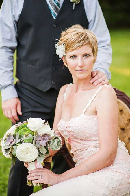 The-Amazing-and-very-Charming-Copper-Blonde-colored-Wedding-Pixie-Cut Wedding Hairstyles for Short Hair